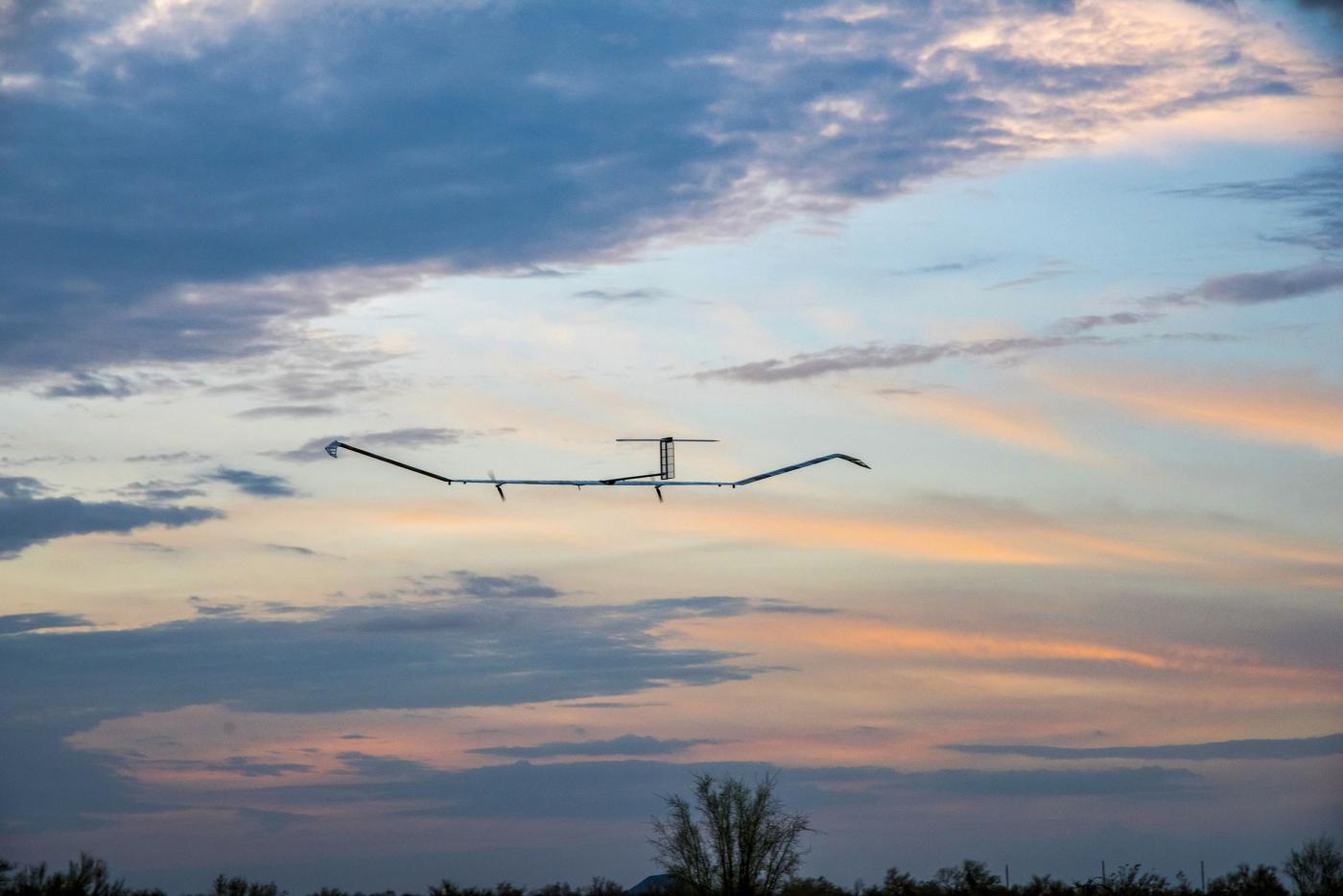 طائرة بدون طيار تعمل بالطاقة الشمسية تطير لمدة 25 يومًا متواصلًا، محققة بذلك رقمًا جديدًا بالطيران دون توقف