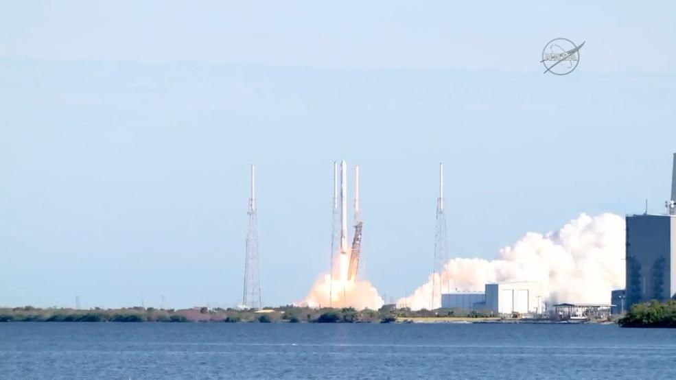 انتهاء المرحلة الأولى لانطلاقة فريدة لسبيس إكس نحو محطة الفضاء الدولية