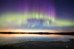 الأضواء الشمالية والسحب الليلة المضيئة