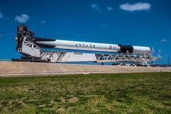 سبيس إكس تتحضر لإطلاق أول صاروخ فالكون 9 من الطراز الأخير