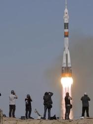 هبوط اضطراري لطاقم محطة الفضاء الدولية