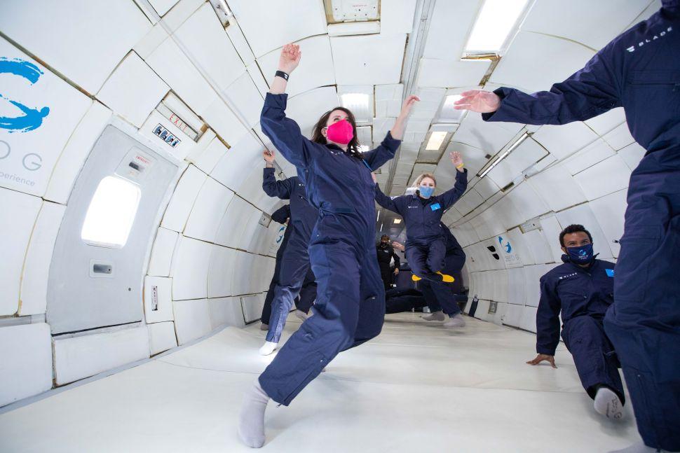 حلَّقتُ على متن طائرة منعدمة الجاذبية، ففاجأتني التجربة بغير ما توقعت!
