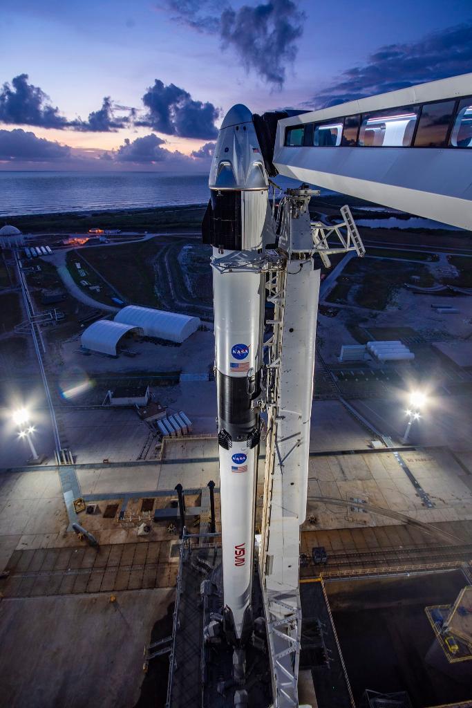 تابعوا مباشرةً الإطلاق التاريخي لمهمة ديمو 2 المأهولة إلى محطة الفضاء الدولية