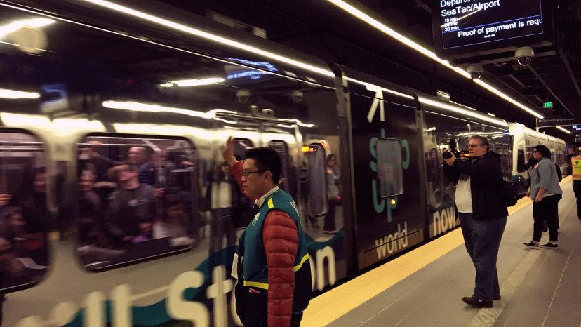 كيف تعود أفضل وسائل النقل العام بالنفع على المدن وسكانها؟