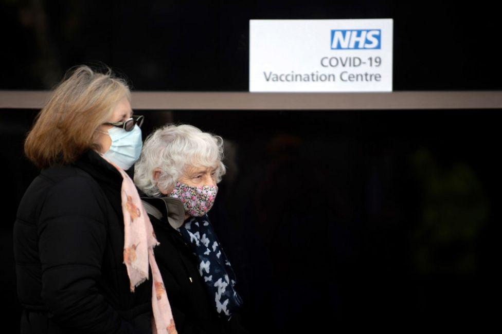 يوميات طبيب فيروس كورونا: هل سيبقى كوفيد معنا إلى الأبد كالإنفلونزا؟