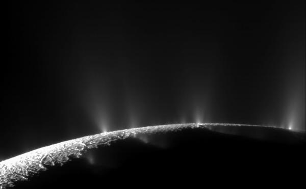 النشاط الهيدروحراري في قمر إنسيلادوس