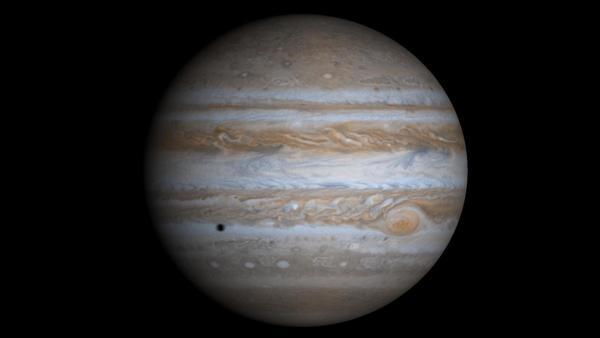 (صورة لكوكب المشتري التقطتها المركبة كاسيني في شهر كانون أول/ديسمبر من عام 2000) حقوق الصورة: NASA/JPL/University of Arizona