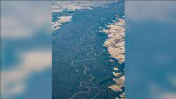 صور الأقمار الصناعية تظهر تغيير في لون أنهار الوﻻيات المتحدة الأمريكية من الأزرق إلى الأصفر والأخضر