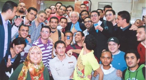 مع طلاب جامعة الإسكندرية.