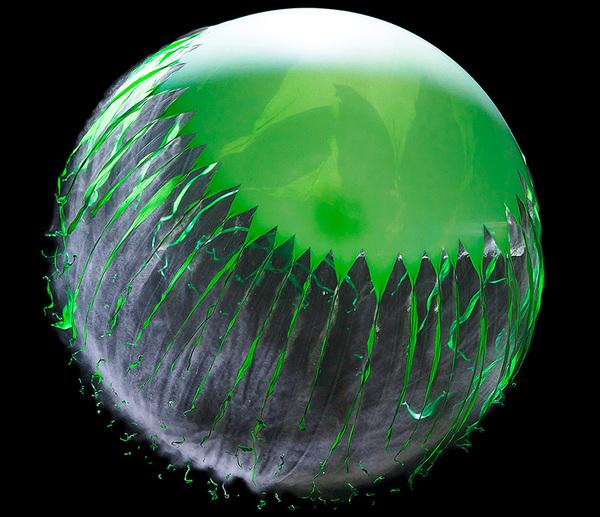 تشقق: اقتراب انفجارات بالون من سرعة الصوت.