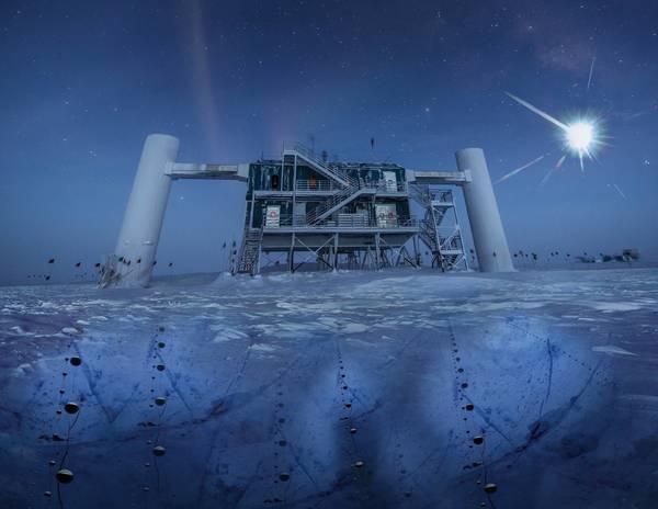 تصورٌ فني قائم على صورة حقيقية لمختبر آيسكوب في القطب الجنوبي، يبعث مصدر بعيد النيوترينوات والتي تُرصد بدورها تحت الجليد بواسطة أجهزة استشعار مرصد آيسكوب. حقوق الصورة: IceCube/NSF