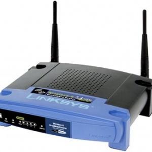 يستخدم جهاز التوجيه اللاسلكي هوائيًا لإرسال الإشارات للأجهزة اللاسلكية وسلكًا لإرسال الإشارات إلى الإنترنت. حقوق الصورة: Consumer Guide Products