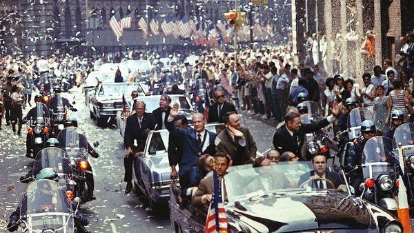 الاحتفال بعودة طاقم أبولو 11 ونجاح المهمة. حقوق الصورة: ناسا