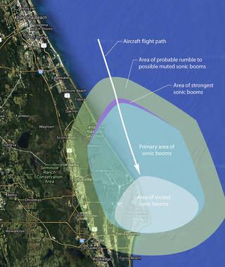 ستكون طائرة ناسا F-18 على ارتفاع 9750 متراً تقريباً عند اختراقها حاجز الصوت على الشاطئ الغربي لفلوريدا Florida وقد حُدِّدَ مسار الطائرة بحيث تصل ذروة الانفجار الصوتي بعيداً عن المناطق السكنية، بينما سيُسمع الانفجار في مركز كينيدي الفضائي حيث ستلتقط مجموعة من الميكروفونات والحساسات المثبتة على الأرض الصوت الناتج عنه. حقوق الصورة: ناسا NASA.