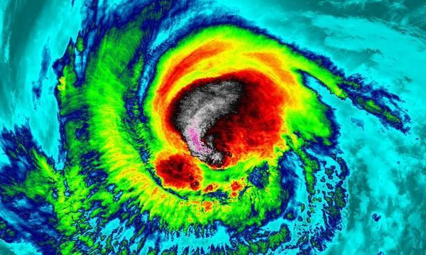 عرض القمر الصناعي لدرجات الحرارة داخل إعصار إيرما في 4 سبتمبر 2017. حقوق الصورة: NASA/NOAA GOES