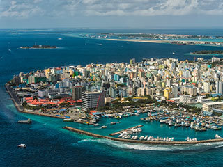 جمهورية جزر المالديف: عرضة لارتفاع مستوى سطح البحر.