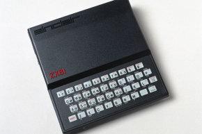صدر جهاز ZX81 في وقت سابق في المملكة المتحدة، حين أبرمت شركة سنكلير صفقة مع شركة تيميكس، لم يكن الأمر سوى مجرد وقت حتى كان الحاسوب الجديد موجود على رفوف كل المتاجر الأمريكية.حقوق الصورة: SSPL VIA GETTY IMAGES
