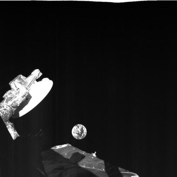 صورة التقاطها مركبة بيبي كولومبو الفضائية قبل أقرب مرور لها بالأرض في 9 نيسان/ابريل 2020. حقوق الصورة: ESA/BepiColombo/MTM, CC BY-SA 3.0 IGO