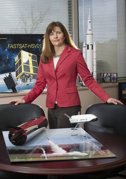 ليزا واتسون مورغان ، مديرة برنامج نظام الهبوط البشري التابع لوكالة ناسا. تلعب دور أساسي في مهمة الطاقم القمريّ 2024. حقوق الصورة: NASA/Marshall Space Flight Center