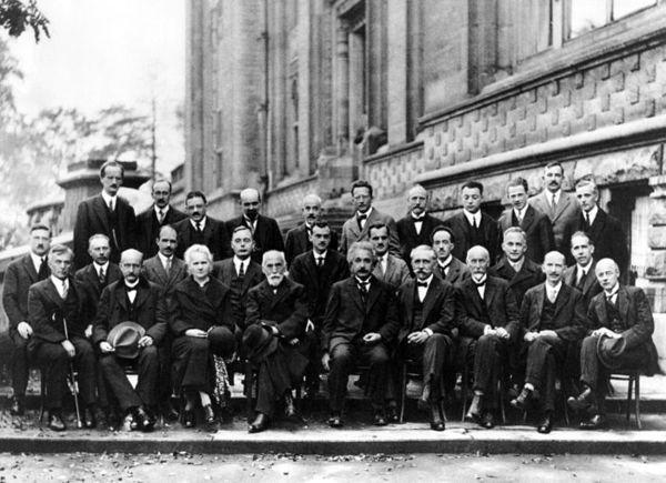 صورة تم التقاطها في مؤتمر سولفاي في العام 1927