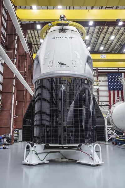 صورة أخرى لكبسولة طاقم دراغون في مجمع الإطلاق 39A. حقوق الصورة: SpaceX