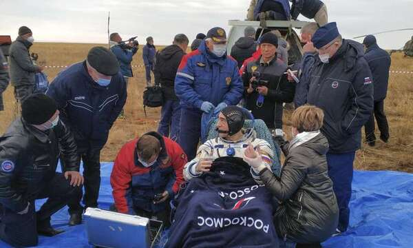رائد الفضاء الروسي أناتولي إيفانيشين. حقوق الصورة: Rosaviatsiya via AP