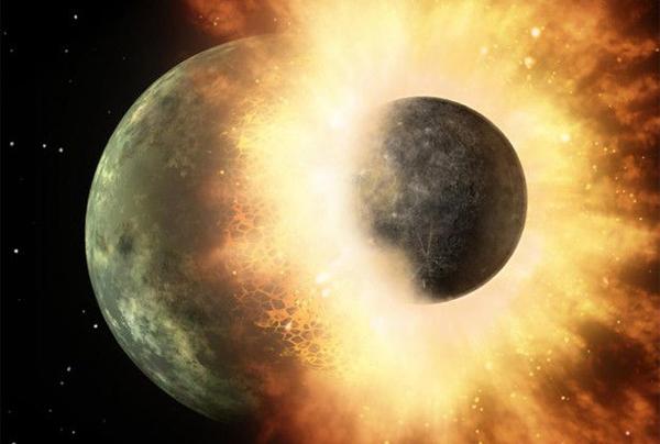 تشكل القمر!