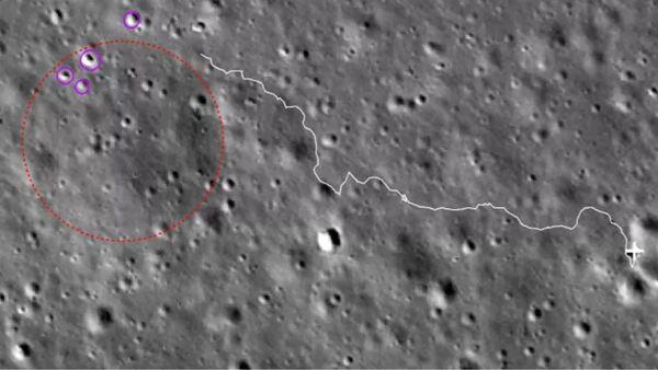 خريطة توضح مسار مركبة يوتو 2 موضحًا باللون الأبيض، وفوهةً كبيرةً مهملةً موضحةً بدائرة حمراء، وفوهات صغيرة مهمة موضحةً باللون البنفسجي. (حقوق الصورة: BACC)