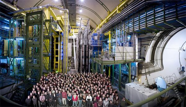 الفريق البحثي المتعاون في تجربة مصادم الهادرونات الكبير LHCb
