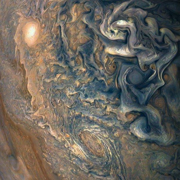 (NASA/JPL-Caltech/SwRI/MSSS/Gerald Eichstädt/Seán Doran)