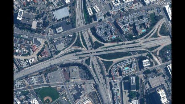 صورة لنفس الطريق السريع بتاريخ 22 مارس/آذار 2020.