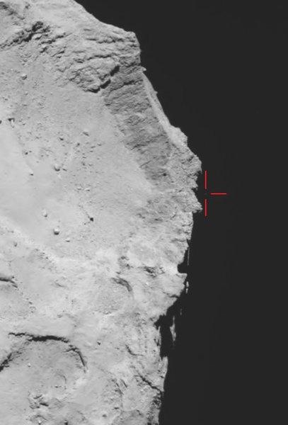 قامت كاميرا أوسيريس-OSIRIS ذات الزاوية الواسعة بالتقاط هذه الصورة للمذنب 67P/تشوريوموف-غيراسيمينكو في الثاني عشر من تشرين الثاني/نوفمبر عام 2014 في تمام الساعة 17:18 بتوقيت غرينيتش (وهو الوقت نفسه على متن المركبة الفضائيّة)، جنبًا إلى جنب مع ما يعتقد أنّه فيلي فوق حافة الوادي الكبير الظّاهر. وقد تم استخدام الصورة لقيادة جهود البحث اللاحقة عن المسبار، بالإضافة إلى توفير القاعدة الأساسية لإعادة تحديد المسار.  المصدر: ESA/Rosetta/MPS for OSIRIS Team MPS/UPD/LAM/IAA/SSO/INTA/UPM/DASP/IDA
