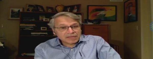 جورج الحلو، وهو عالم فلك لبناني والمدير التنفيذي لمركز التحليل والمعالجة بنطاق الأشعة تحت الحمراء IPAC