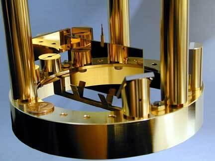 البندول من تجربة ثابت الجاذبية في جامعة واشنطن. المصدر : John Amsbaugh, University of Washington