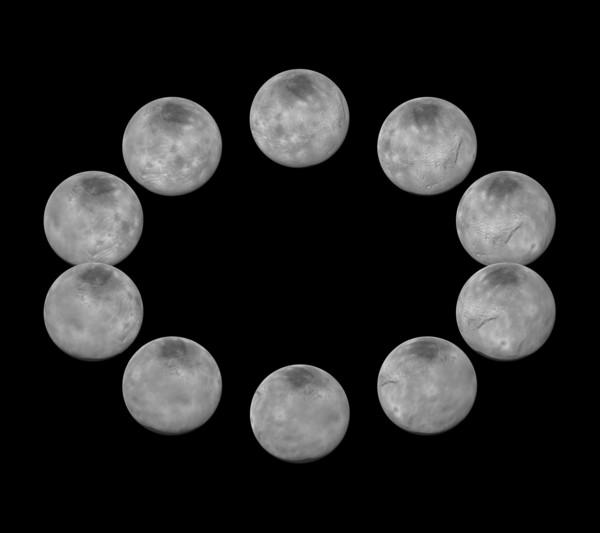 ألتقطت كاميرات المركبة الفضائية نيو هورايزنز خلال اقترابها من نظام بلوتو في شهر يوليو/تموز، صوراً لأكبر أقمار بلوتو الخمسة، شارون وذلك على مدار يوم كامل. وقد تم جمع أفضل الصور المتوفرة حالياً لكل جانب من شارون والتي التقطت خلال الاقتراب لصنع هذا المشهد لدورة كاملة للقمر. المصدر:NASA/JHUAPL/SwRI