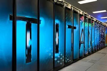حاسب تيتان الخارق Titan Supercomputer يستطيع القيام بنحو 27000 تريليون عملية حسابية في الثانية