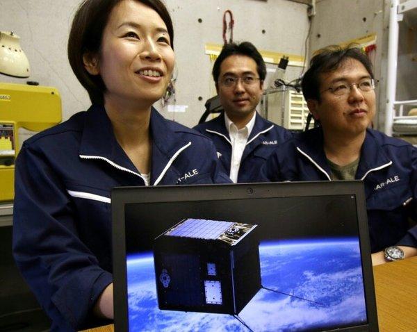 تأمل لينا أوكيجيما، الرئيسة التنفيذية لشركة ALE للتكنولوجيا الفضائية، تقديم عرض زخات شهبٍ اصطناعية حسب الطلب.