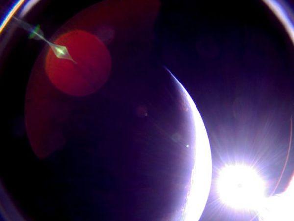 أول صورة التقطتها مركبة لايت سايل 2 للأرض في 6 يوليو/تموز، 2019.  حقوق الصورة: The Planetary Society
