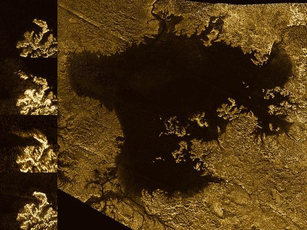 أرسلت مركبة كاسيني الفضائية التابعة لناسا أمواجاً ميكرويةً إلى سطح تيتان، ووجدت أن بعض القنوات هي وديان عميقة ومنحدرة مملوءة بالهيدروكربونات السائلة. أحد هذه السمات هي فيد فلومينا، الشبكة المتفرعة من الخطوط الضيقة في أعلى الربع الأيسر من الصورة.   المصدر: NASA/JPL-Caltech/ASI