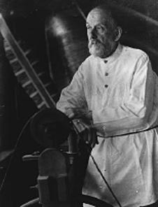 صورة لقسطنطين تسولكوفسكي، أحد آباء علم الصواريخ. حقوق الصورة: K.E.Tsiolkovsky Museum, Kaluga, Russia