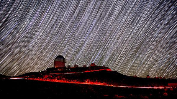 الطريق إلى مسارات النجوم، بوجود تلسكوب بلانكو Blanco Telescope التقط الصور: ريدار هان، فيرميلاب Reidar Hahn, Fermilab