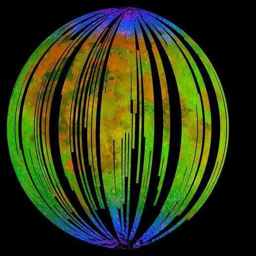 صورة طيفية جمعها راسم خرائط توزع المعادن على سطح القمر (M3) الموجود على متن بعثة شاندريان الهندية التابعة لوكالة ناسا، وتظهر هذه الصورة وجود الماء في المناطق القطبية للقمر. Credit: ISRO/NASA/JPL-Caltech/Brown University/USGS