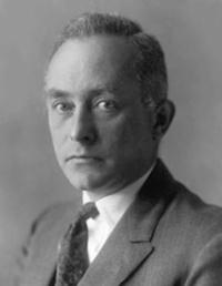 سُمّيت قاعدة بورن نسبة لعالم الفيزياء ماكس بورن Max Born (1882 – 1970