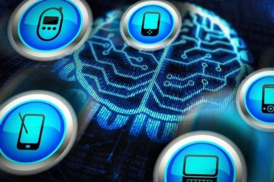 """صمّم باحثون في معهد ماساتشوستس للتكنولوجيا MIT شريحة جديدة لتنفيذ شبكات عصبونية. ذات فعاليّة أكبر بعشر مرّات من وحدة معالجة الرسوميّات """"GPU"""" في الأجهزة المحمولة، لذا فإنّها قد تمكّن الأجهزة المحمولة من تشغيل خوارزميات ذكاء صنعي """"Artificial Intelligence"""" قوية بشكل ذاتي، عوضًا عن تحميل البيانات إلى الانترنت لتتم معالجتها.  حقوق الصورة: أخبار MIT Credit: MIT News"""