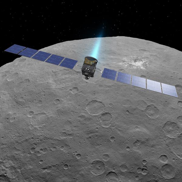تصور فني لمركبة دون Dawn وهي تستخدم محركاتها الأيونية في سيريس Ceres  حقوق الصورة: NASA/JPL