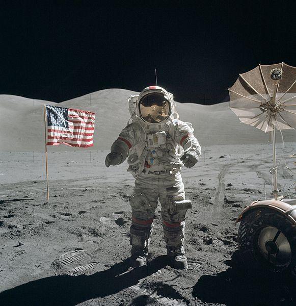 يوجين سيرنان على سطح القمر في 13 ديسمبر عام 1972. المصدر: ناسا