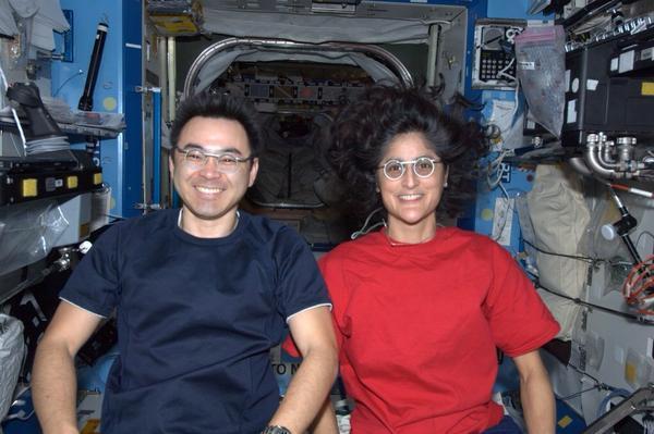 جميع رواد الفضاء لديهم نظر مثالي