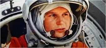 """تيريشكوفا عام 1963 تتحضر لركوب فوستوك 6. """"بالطبع، إنّه حلم، الذهاب إلى المريخ واستكشاف إن كان هنالك حياة عليه أم لا"""""""
