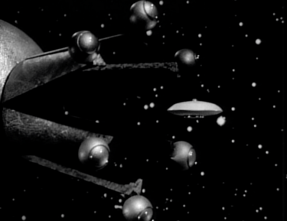 حظاً سعيداً.<br /> Image credit: Lost in Space 'The Derelict.