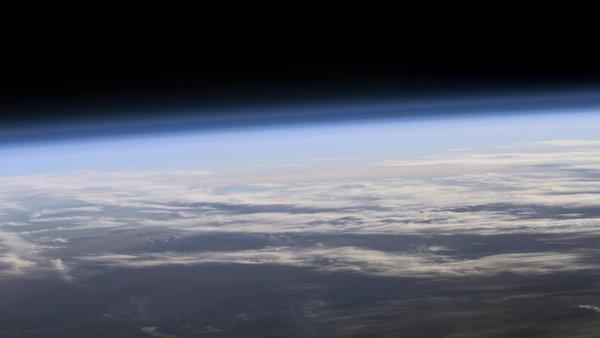 مشهد للغلاف الجوي للأرض من الفضاء. حقوق الصورة: NASA